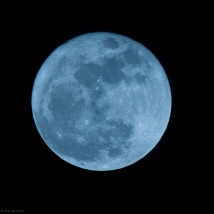 Gorgeous-Equinoctial-moon-3